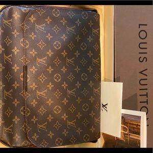 Louis Vuitton Messenger Beaubourg M